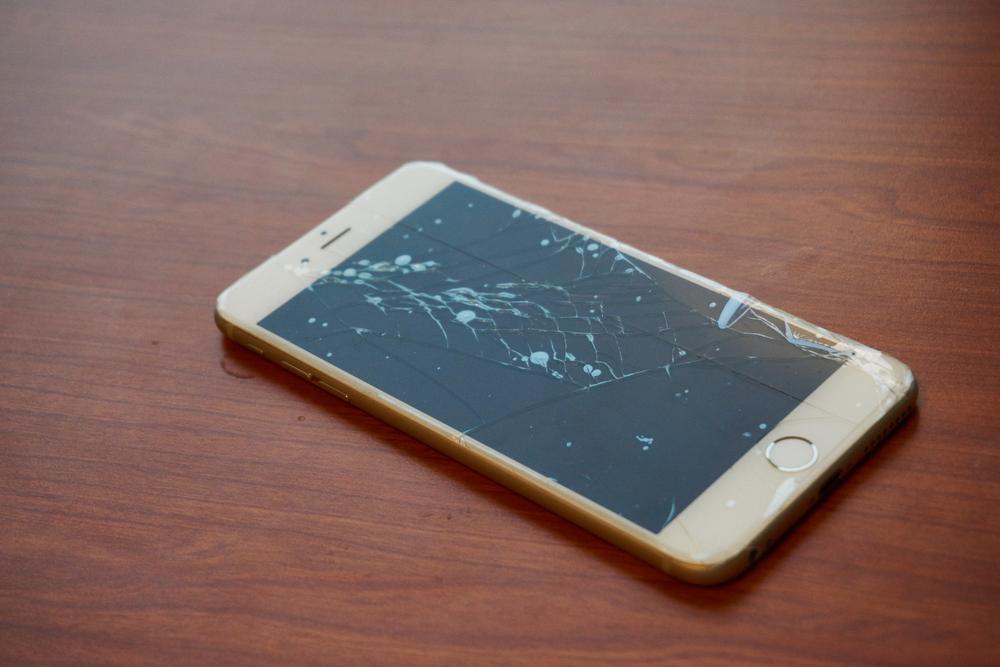 M�n h�nh iPhone 6 hư hỏng