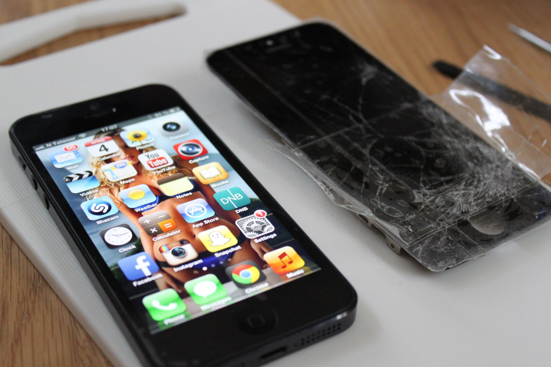 M�n h�nh iPhone 5 hư hỏng