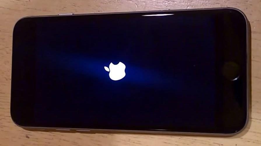iPhone 6 tự khởi động lại