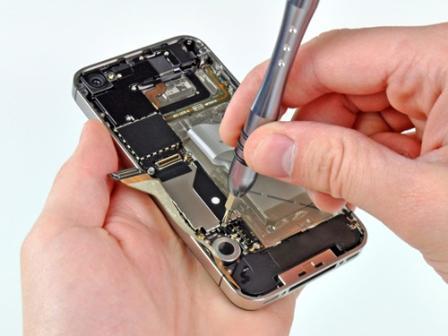 Sửa chữa iPhone rườm rà hơn so với iPad