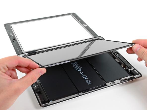 Thay màn hình iPad dễ hơn iPhone